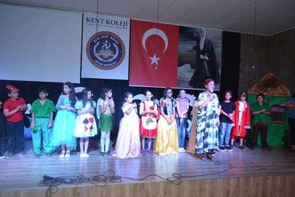 2017-2018 KENT KOLEJİ KARŞIYAKA/ÇİĞLİ KAMPÜS 4. SINIF DRAMA GÖSTERİSİ